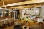Stort sommerhus Sverige, stige i åben rum til loftet